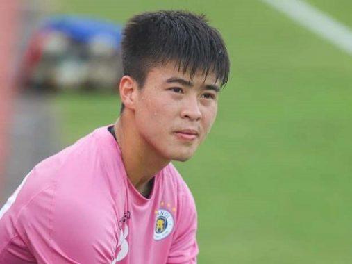 Bóng đá Việt Nam sáng 10/4: Duy Mạnh sắp phải xét nghiệm Covid-19 lần 2