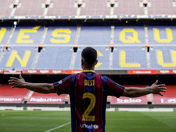 Tin bóng đá tối 2/10: Sergino Dest có phí giải phóng hợp đồng 400 triệu euro