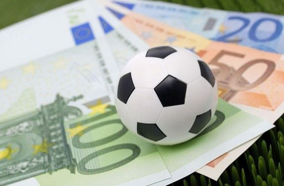 Theo dõi và cập nhật tin tức liên quan đến bóng đá
