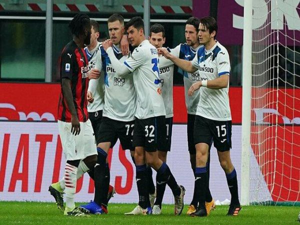 Tin bóng đá chiều 24/1: AC Milan thua thảm tại Serie A