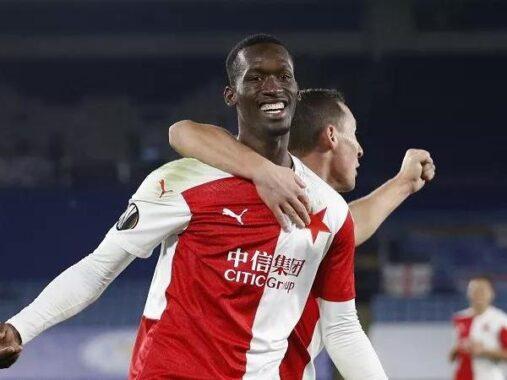 Tin bóng đá trưa 28/4: Man Utd hy vọng có được chữ ký của Sima
